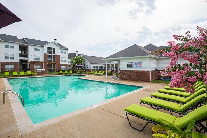 Reserve at Harpers Point Apartments in Murfreesboro, TN - Swimming Pool 01.jpg