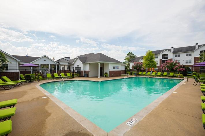 Reserve at Harpers Point Apartments in Murfreesboro, TN - Swimming Pool 02.jpg