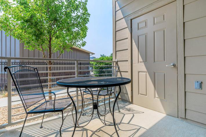 RELAX ON YOUR PATIO OR BALCONY IN LAFAYETTE, CO