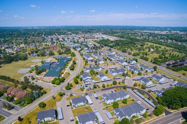 Oaks at Hampton Rochester Hills MI Aerial Exterior 1.jpg