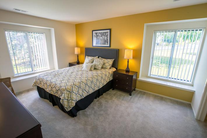 Oaks at Hampton Rochester Hills MI Bedroom 1.jpg