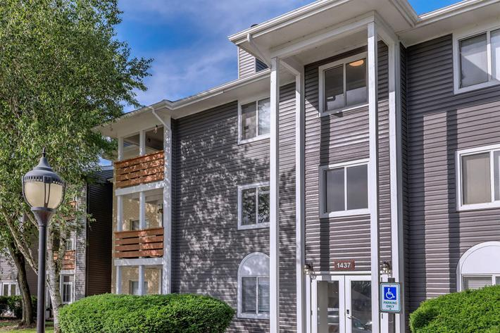 ONE AND TWO BEDROOM APARTMENTS IN COLUMBUS, OH