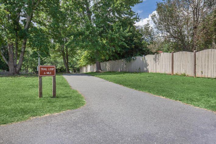 6 mile trail loop at Haywood Pointe in Greenville, SC.