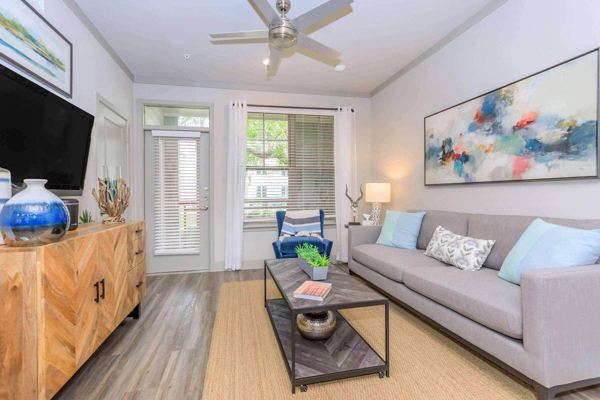 Spacious living rooms at Ariza Gosling in Spring, Texas