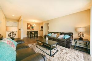 YOUR NEW LIVING ROOM AT INDIAN HILLS