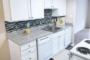 405-kitchen2.jpg