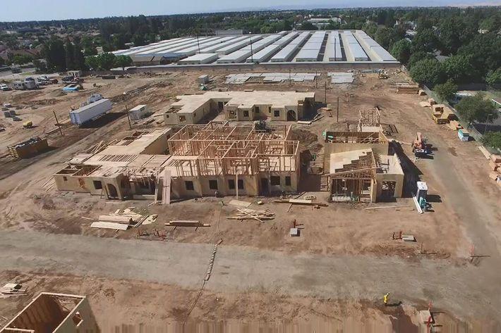 construction 1.jpg