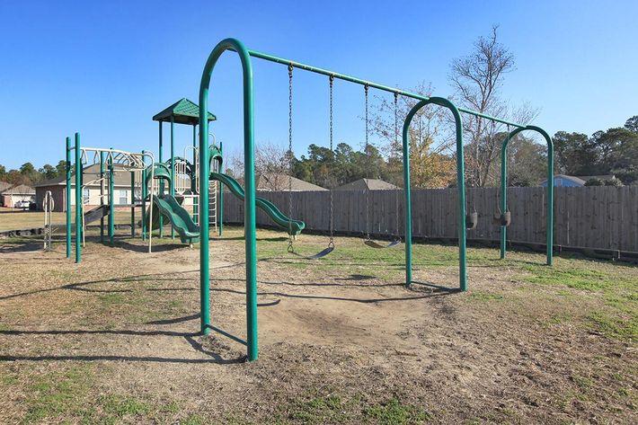 oakwoodparkestateschildrensplayarea.jpg