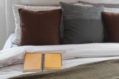 Bedroom & book-iStock-530929712.jpg