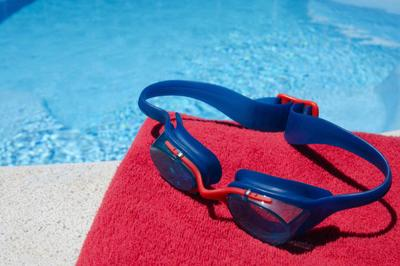 red towel with goggles- iStock_000041034922_Large.jpg