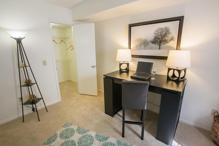 Summer Ridge Kalamazoo MI - 2nd BedroomOffice 2.jpg