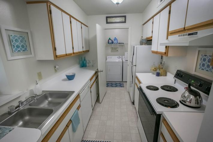 Summer Ridge Kalamazoo MI - Kitchen 1.jpg