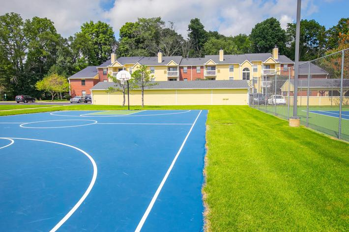 Summer Ridge Kalamazoo MI - Basketball Court 3.jpg