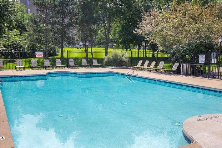 Summer Ridge Kalamazoo MI - Pool 5.jpg
