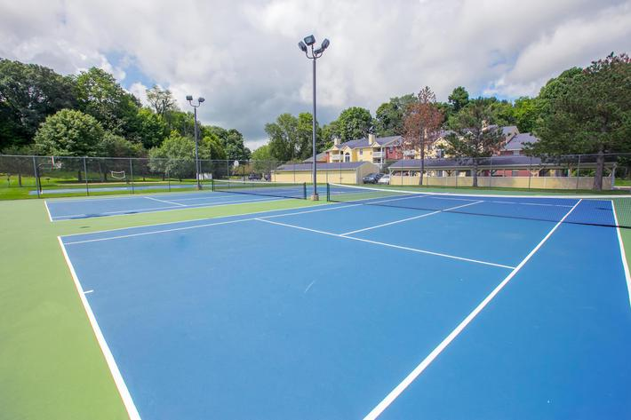 Summer Ridge Kalamazoo MI - Tennis Court 2.jpg