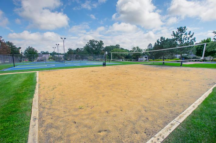 Summer Ridge Kalamazoo MI - Volleyball Court 2.jpg