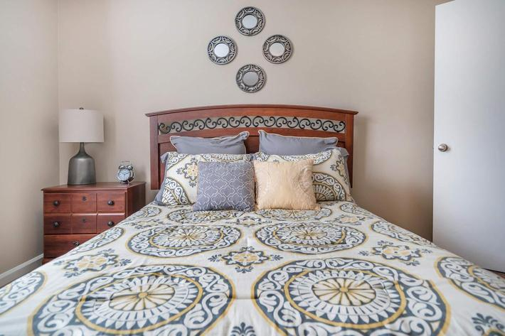 comfortable bedroom at Eagle Crest at Wallace in Clarksville, Tennessee