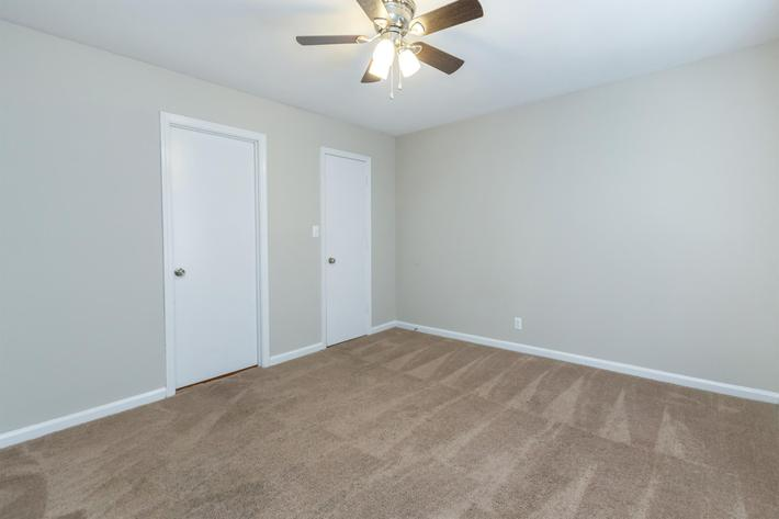 convenient on suite at Eagle Crest at Wallace in Clarksville, Tennessee