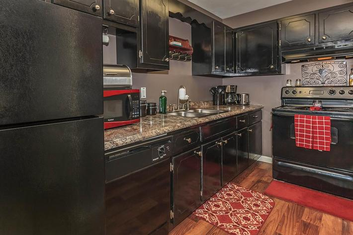 well-equipped kitchen at Eagles Crest at Wallace in Clarksville, Tennessee