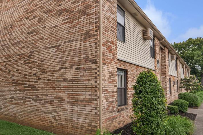 beautiful brick exterior at Eagles Crest at Wallace in Clarksville, Tennessee