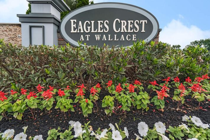 Eagles Crest at Wallace in Clarksville, Tennessee