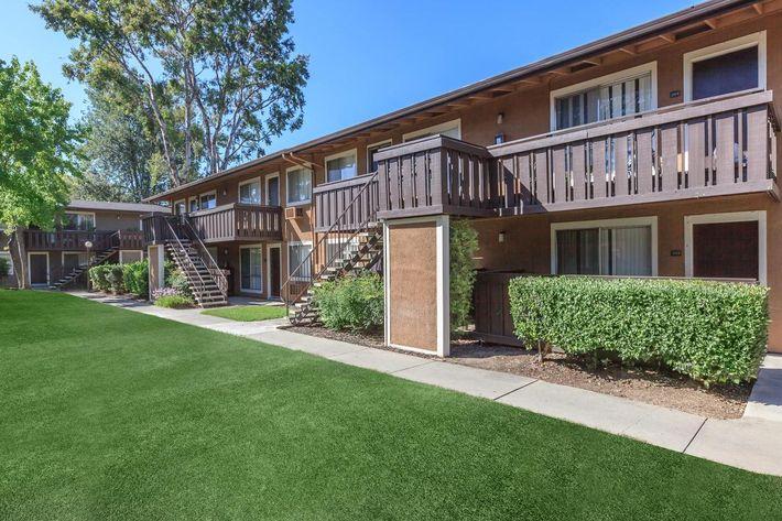 Thornbridge Apartments in California
