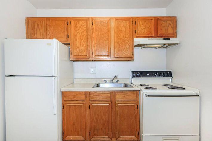 Thornbridge Apartments provides updated cabinets