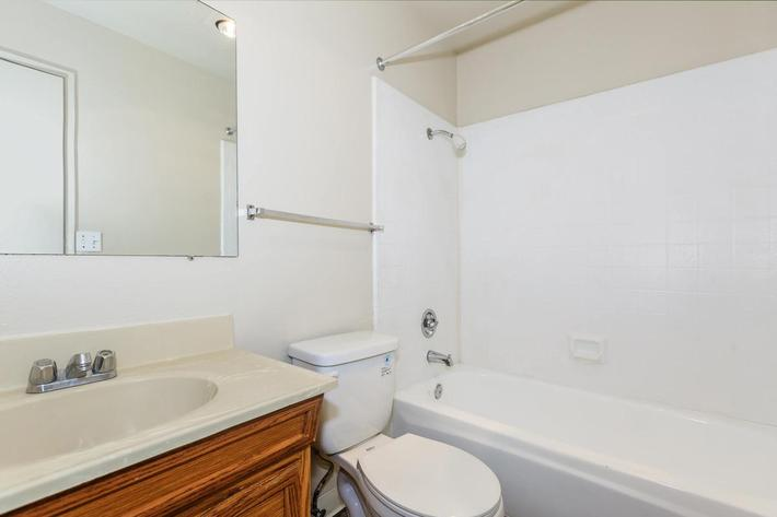 We have newly renovated apartment homes at Thornbridge Apartments