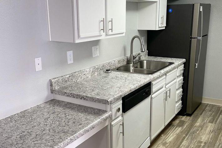 upgraded 2x2 kitchen 2 .jpeg