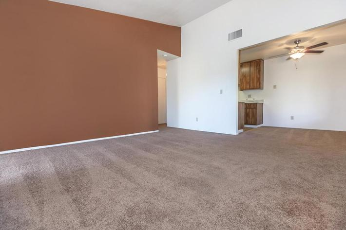 Cobblestone Village has plush carpeted floors
