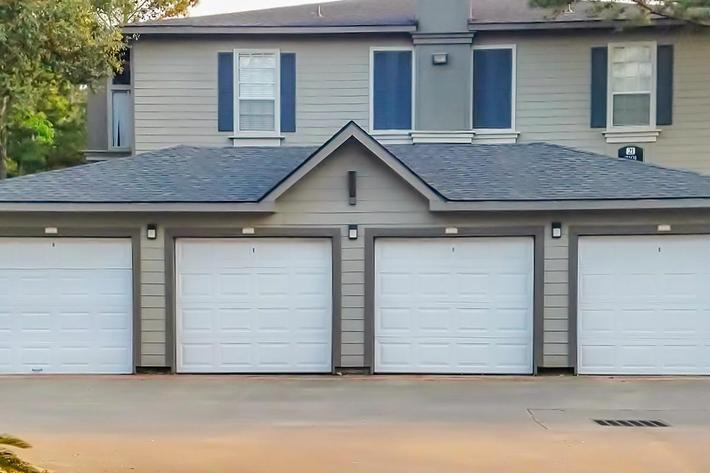 Garage picture-width-2400px.jpg