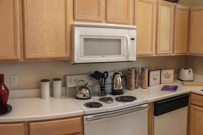 Mallard Creek kitchen model 2 july 2012-width-2400px.jpg