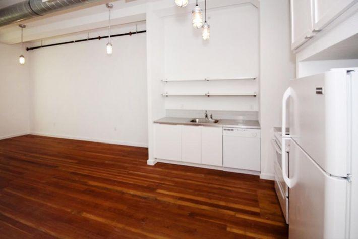 640 sq ft kitchen.JPG