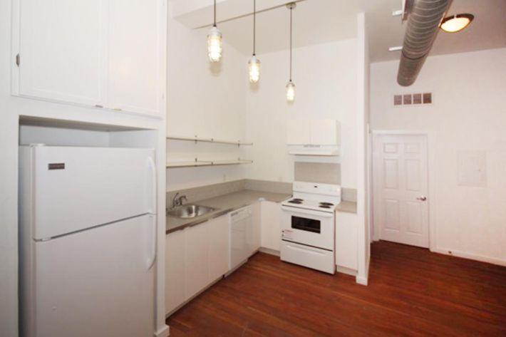 689 sq ft kitchen.JPG