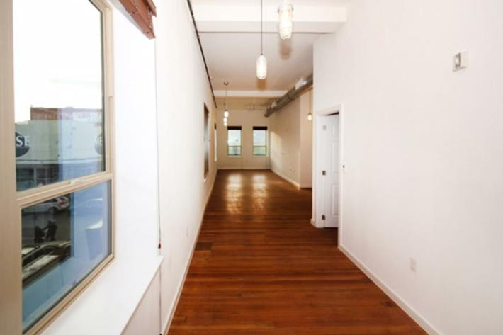 760 sq ft long hallway.JPG