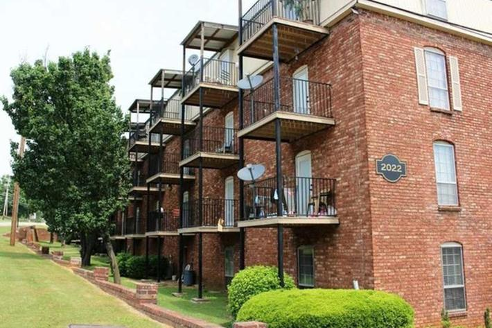 serenity-apartments-at-huntsville-huntsville-al-building-photo (15).jpg