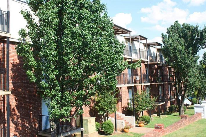 serenity-apartments-at-huntsville-huntsville-al-building-photo.jpg