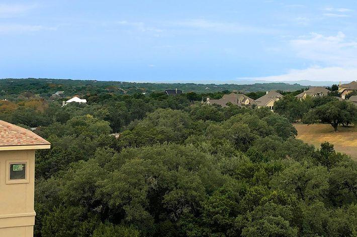 View3.jpg