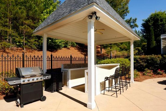 Walden Crossing Apartments in Canton, GA - BBQ Area 01.JPG