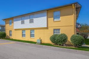 Apartment home living at Riverchase Apartments