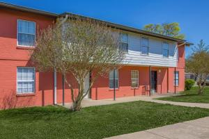 Riverchase Apartments welcomes you home
