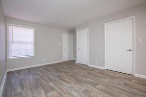 Lots of natural lighting in Riverchase Apartments