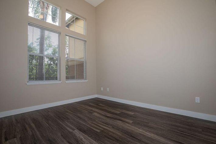 01b Living Room.jpg