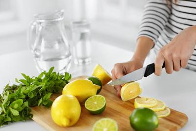 interior-kitchen-slicing lemons.jpg