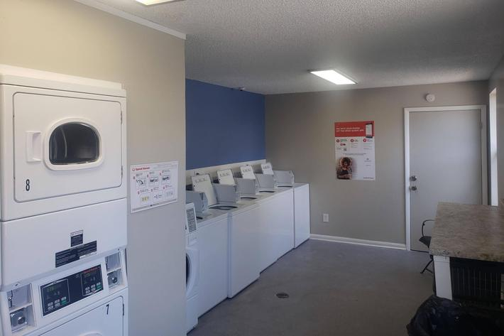 Laundry Facility at Dupont Avenue Apartments