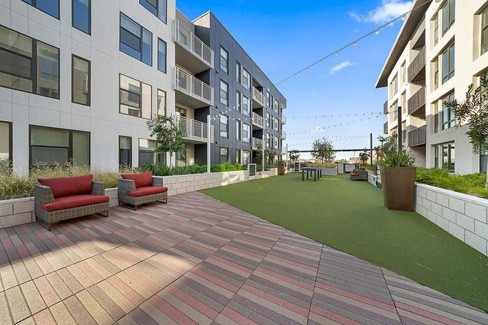 LARGE PRIVATE PATIOS OR BALCONIES