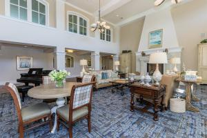 CHARMING GREAT ROOM