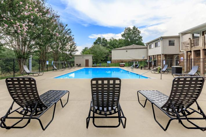 Lounge Poolside at Belle Forest at Memorial in Clarksville, TN