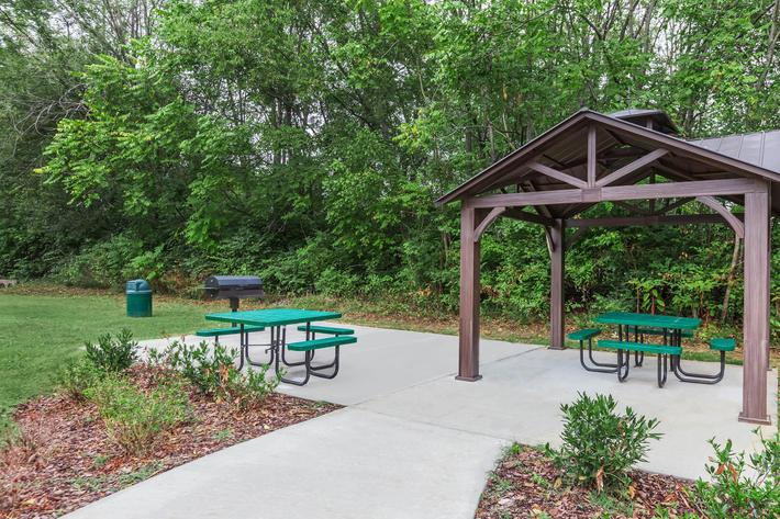 Picnic and Barbecue Area Here at Sussex Downs in Franklin, TN