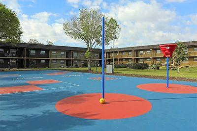 Jacky Brice - V17 courts 2.jpg